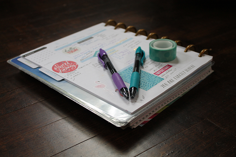 Planner with Pilot G2 pens